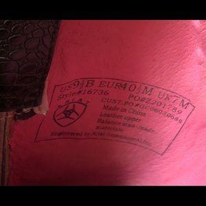 Ariat Shoes - Women's Ariat cowboy boots US sz 9.5B pink/black
